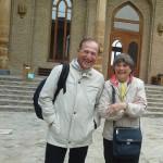 Besichtigung in Taschkent. Herr Dieter Brandenburger (links) mit einer Reiseteilnehmerin