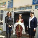 Herzlich willkommen in der Schule Nr.1. Frau Angelika Maria Kappel, Bürgermeisterin der Stadt Bonn (links) und Direktorin der Schule Nr. 1 (rechts). Ziel des Besuches ist es, die zukünftige Partnerschaft mit der Ludwig Richter Grundschule aus Bonn zu besprechen