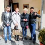 Mit usbekischen Studentinnen und Studenten