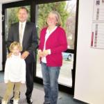 """Herr Fistrek, Geschäftsführer """"Capital Future GmbH"""" mit Frau Wolber, Kindergartenleiterin"""
