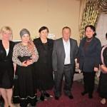 Abendessen in der Familie in Taschkent. Unsere Gastgeber und Geschfäftsführerin der Usbekisch-Deutschen Freundschaftsgesellschaft (links)